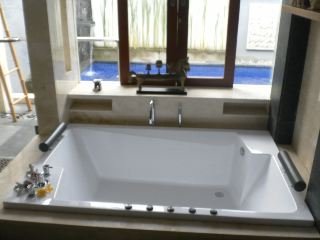 Royal Kamuela Bathroom