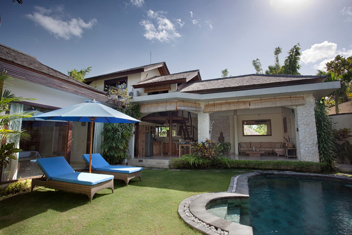 Canggu accommodation on beach