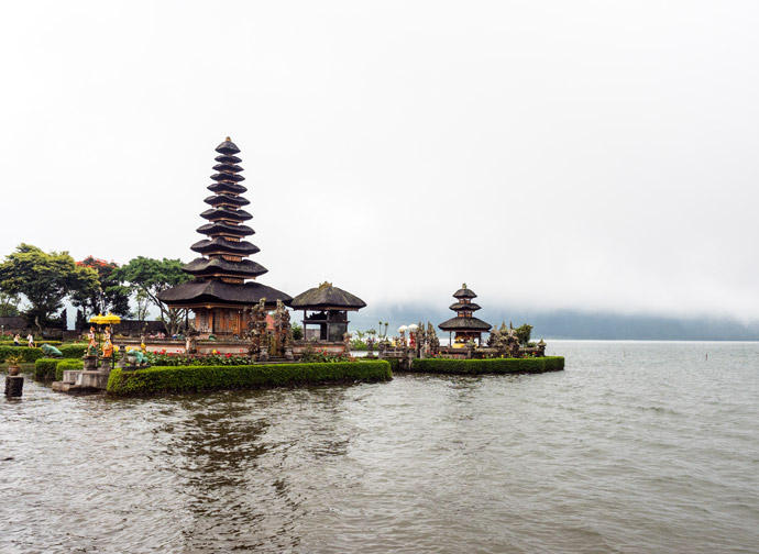 Ulun Danu Beratan Temple Bali: Tips for Visiting The Floating Temple