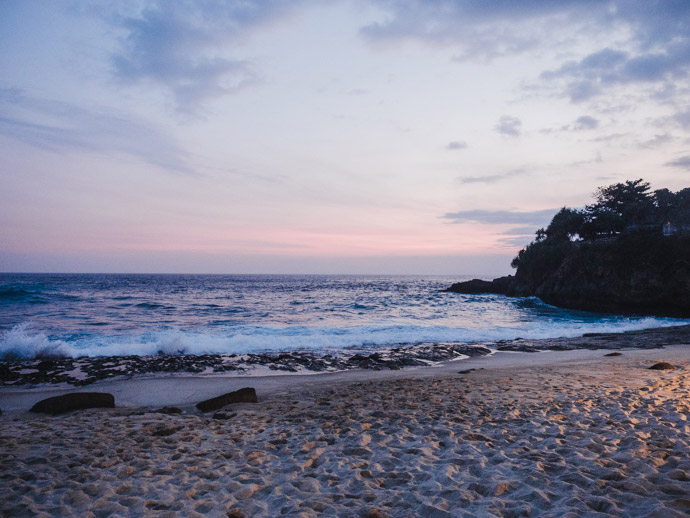 Sunset Beach Nusa Lembongan
